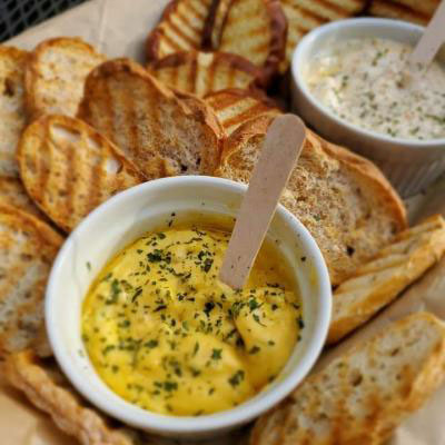 Baguette chips and dips
